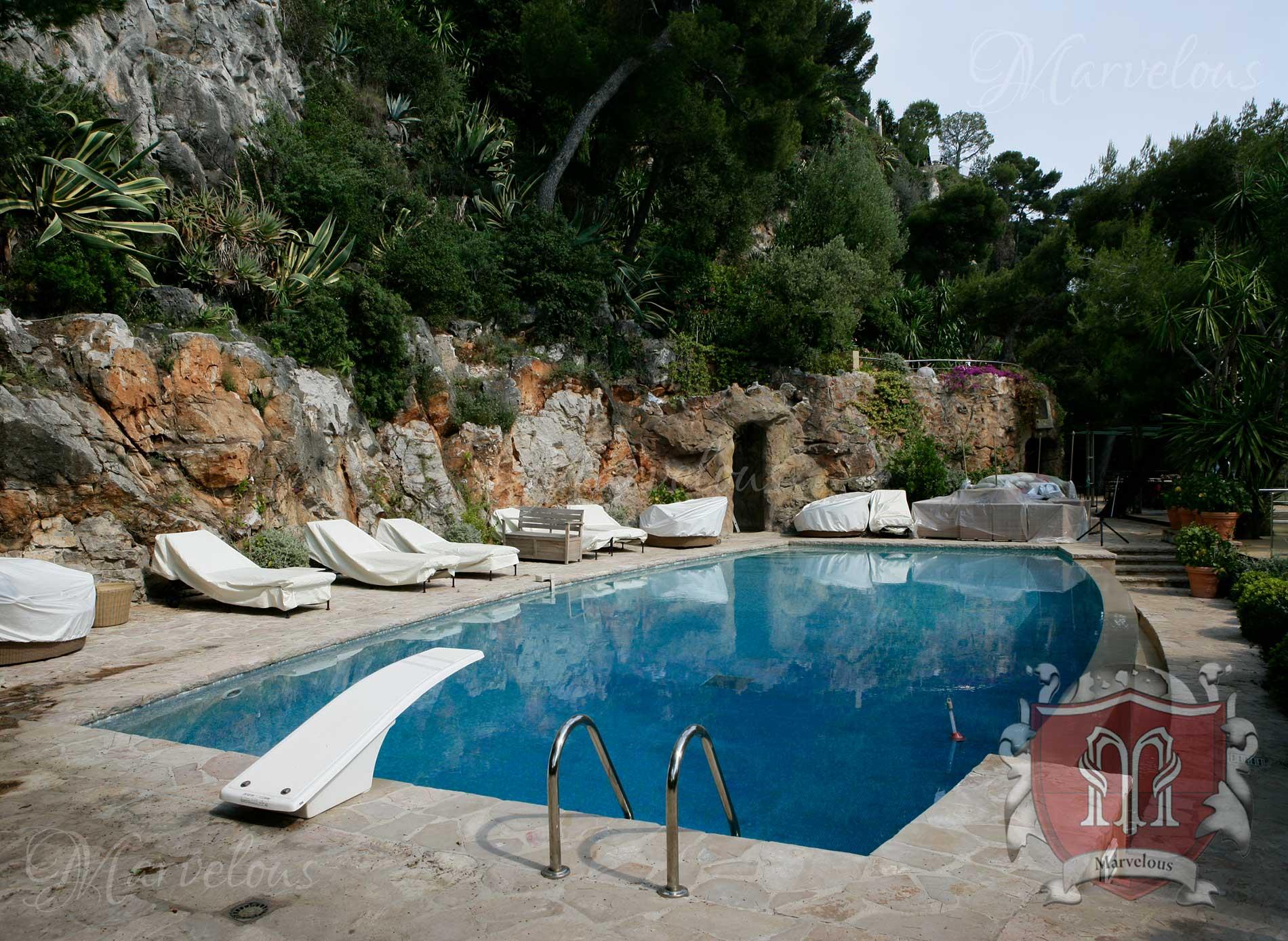 Marble Pool Mosaic: Bella Pietra